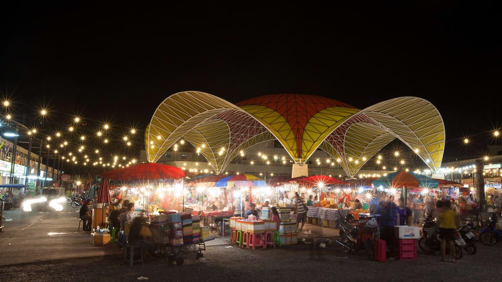 chơi đêm ở bangkok: chợ đêm patpong