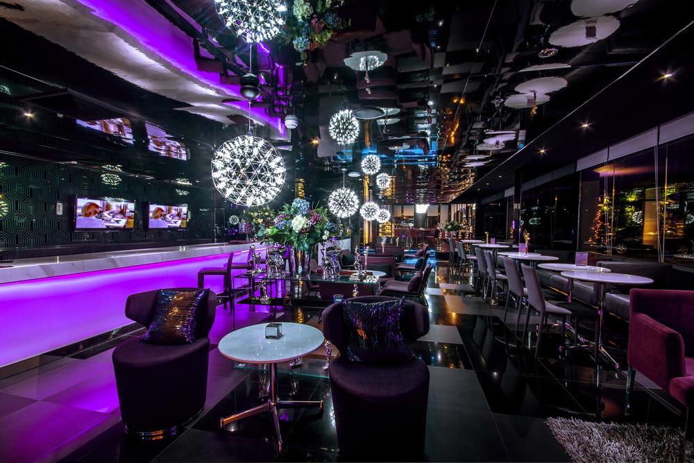 chơi đêm ở bangkok: ăn uống trong bóng tối