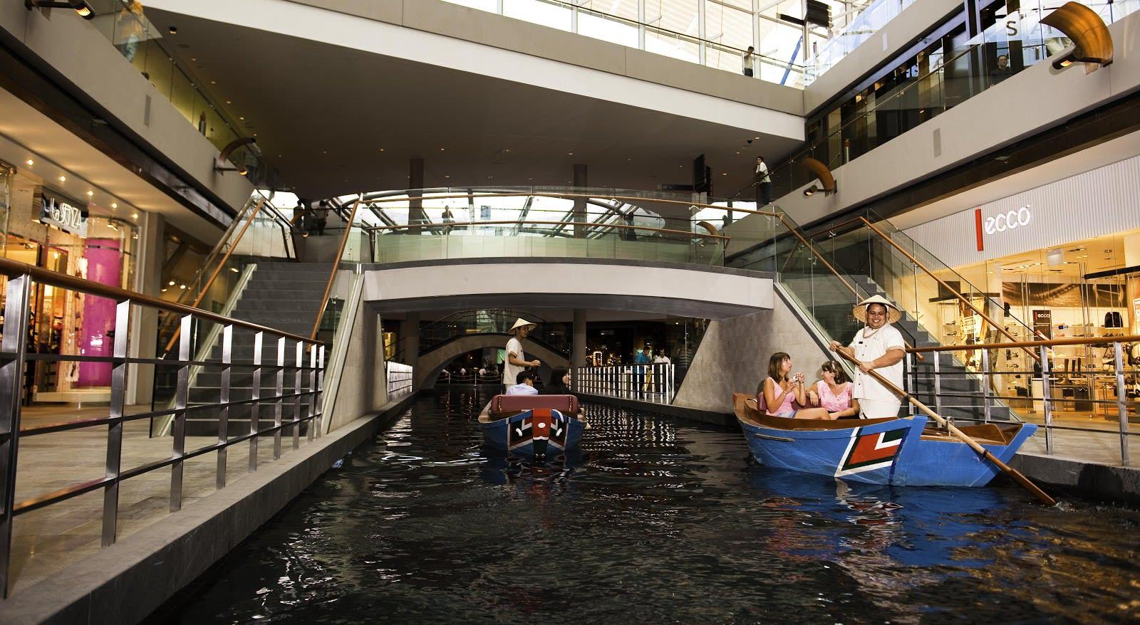 đi thuyền gondola tại singapore