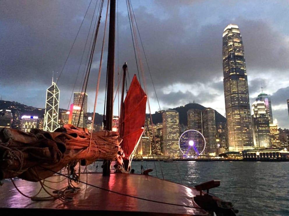 du thuyền ngắm cảnh đêm cảng victoria: cảnh thành phố về đêm