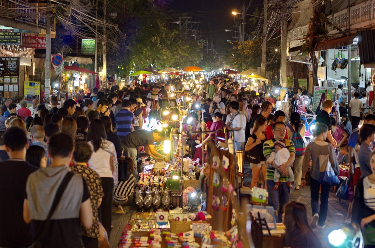 du lịch tự túc chiang mai: chợ đêm chủ nhật