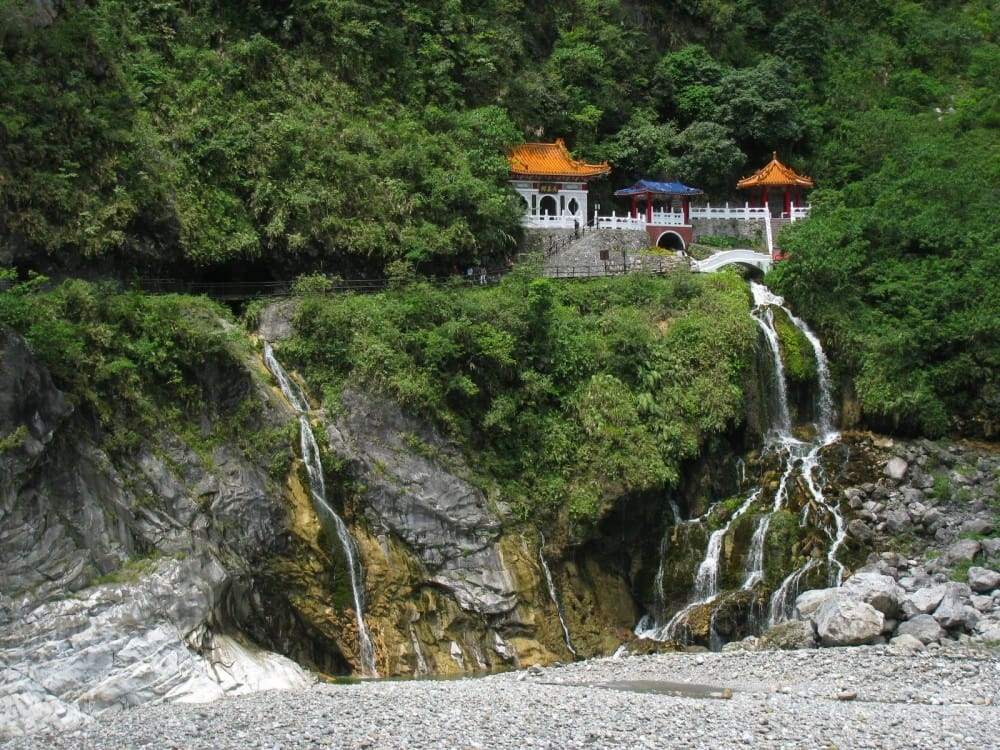 khám phá hoa liên: chùa xiangde