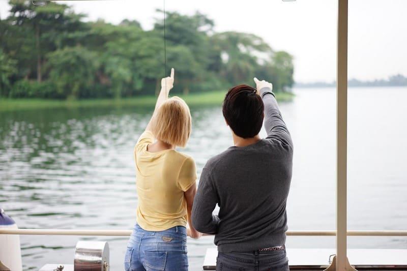 đi thuyền khám phá river safari