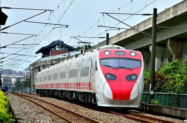 tận dụng thẻ thông hành đường sắt và đường sắt cao tốc đài loan