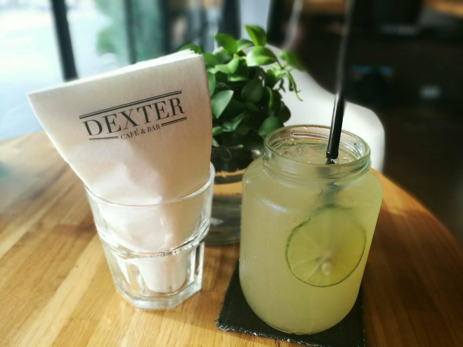 nước chanh tại dexter cafe