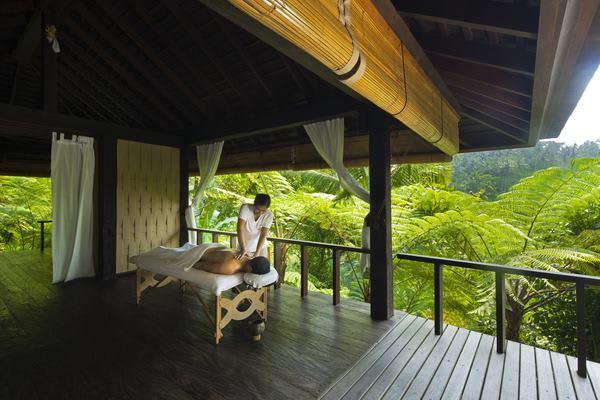 massage ngoài trời tại como shambala spa