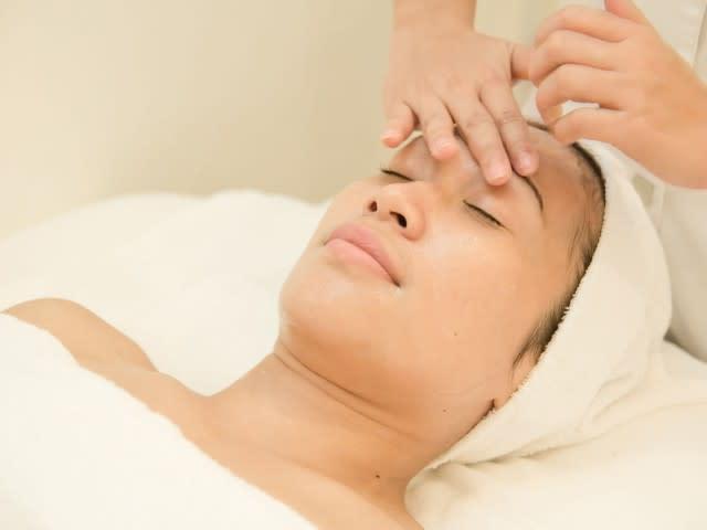 massage mặt tại AKA forever young