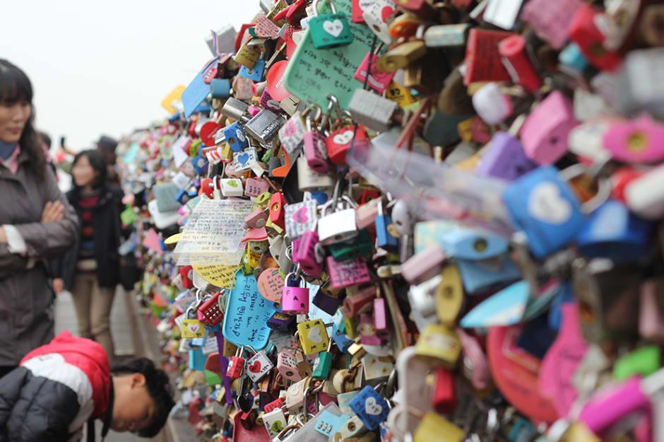 khóa tình yêu tại tháp namsan