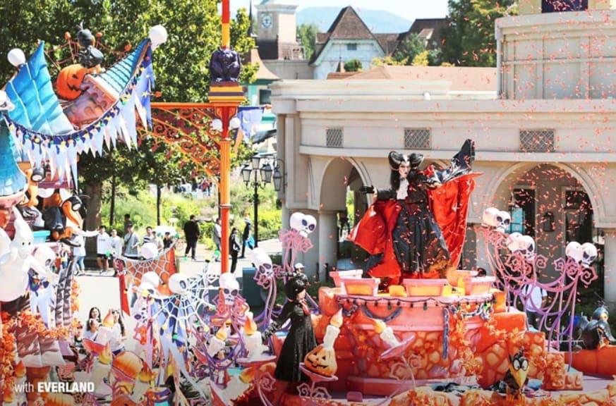 diễu hành halloween tại everland