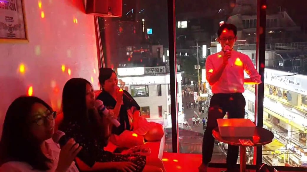 hát karaoke tại hàn quốc