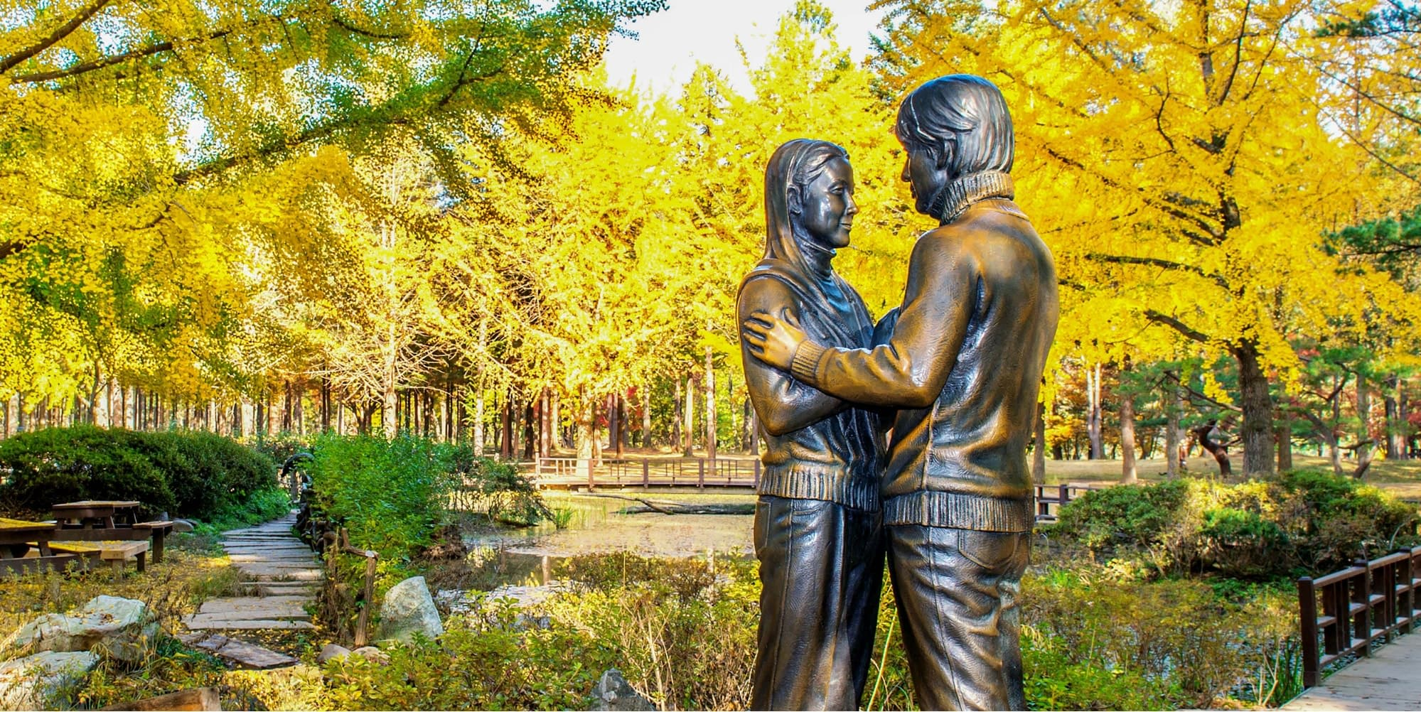 tượng cặp đôi tại đảo nami hàn quốc