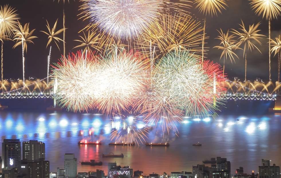 lễ hội pháo hoa ở busan  là một trong 10 lễ hội ở hàn quốc bạn phải tham gia