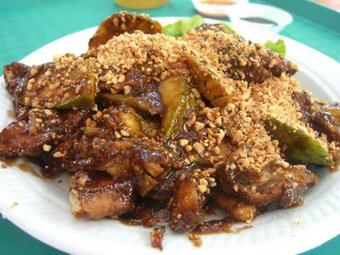 salad trộn rau quả là một trong 30 món ăn ở singapore phải thử