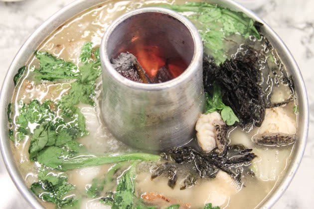 đầu cá hấp là một trong 30 món ăn ở singapore phải thử