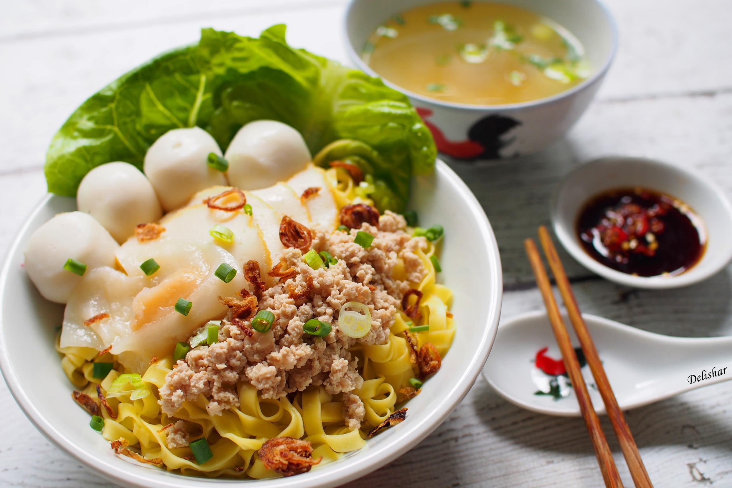 mì thịt bằm là một trong 30 món ăn ở singapore phải thử