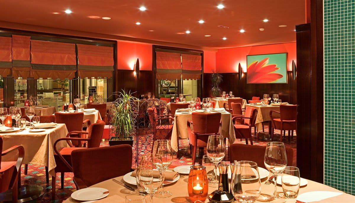 những nhà hàng ý và hy lạp là một trong những điểm đến ở singapore cho hội độc thân