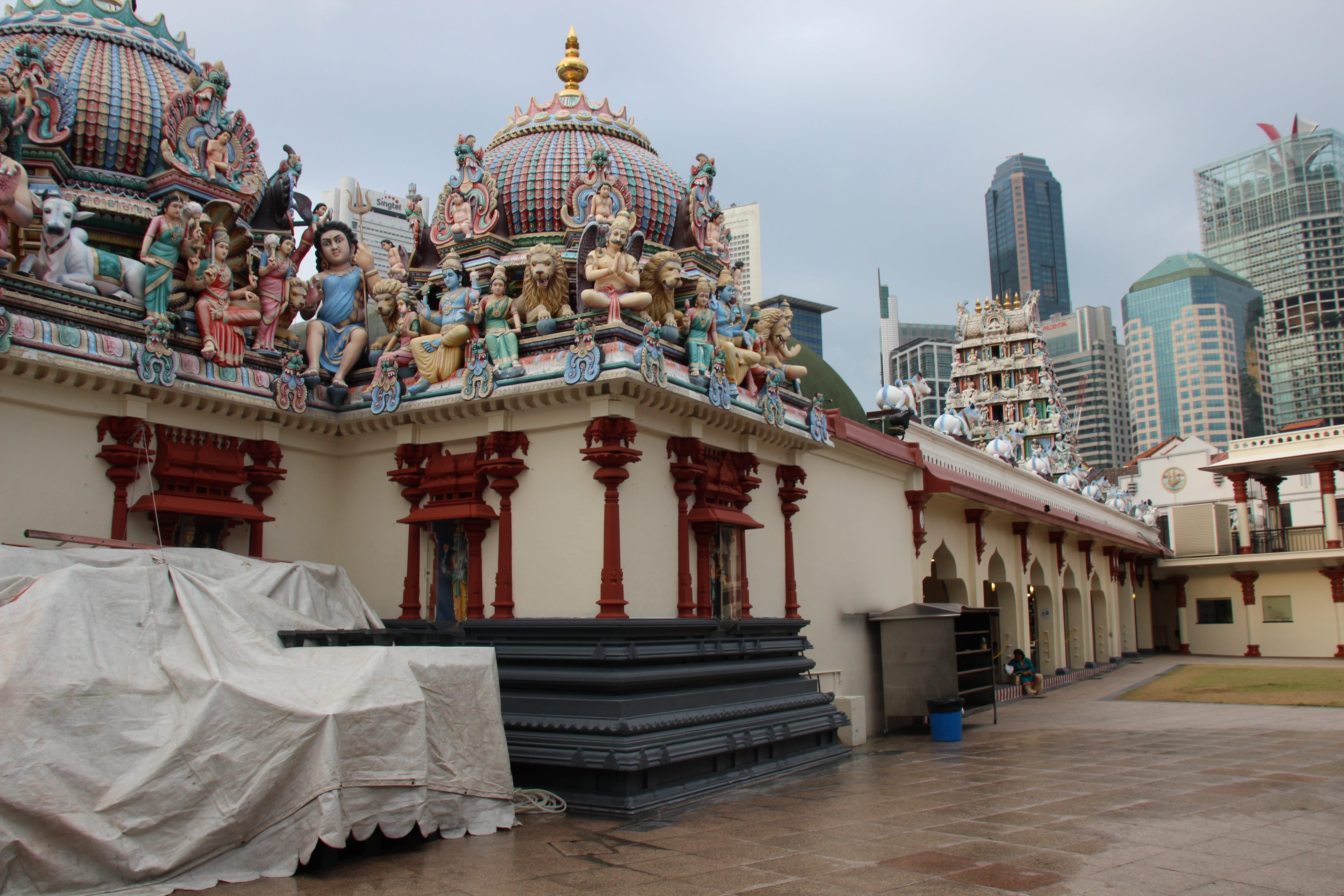 đền sri mariammam là một trong những điểm đến ở singapore cho hội độc thân