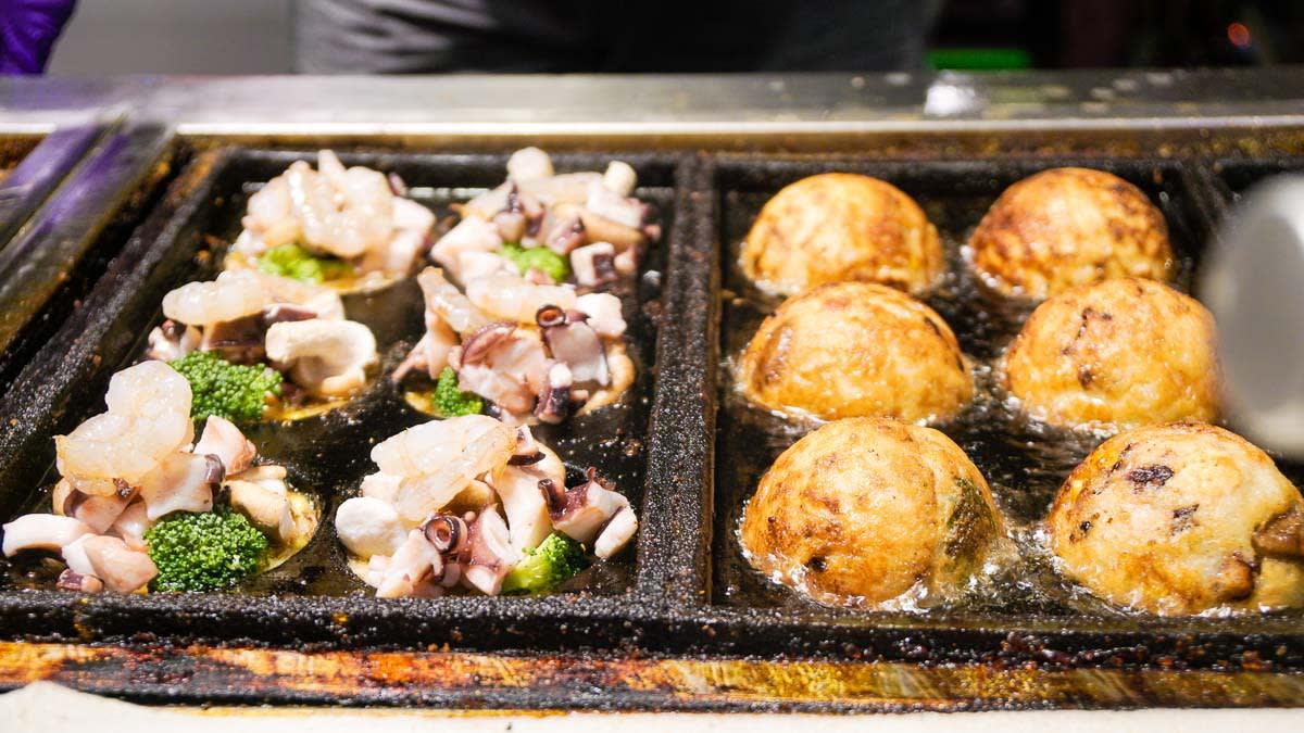 takoyaki khổng lồ là một trong 10 món ăn ngon ở đài loan