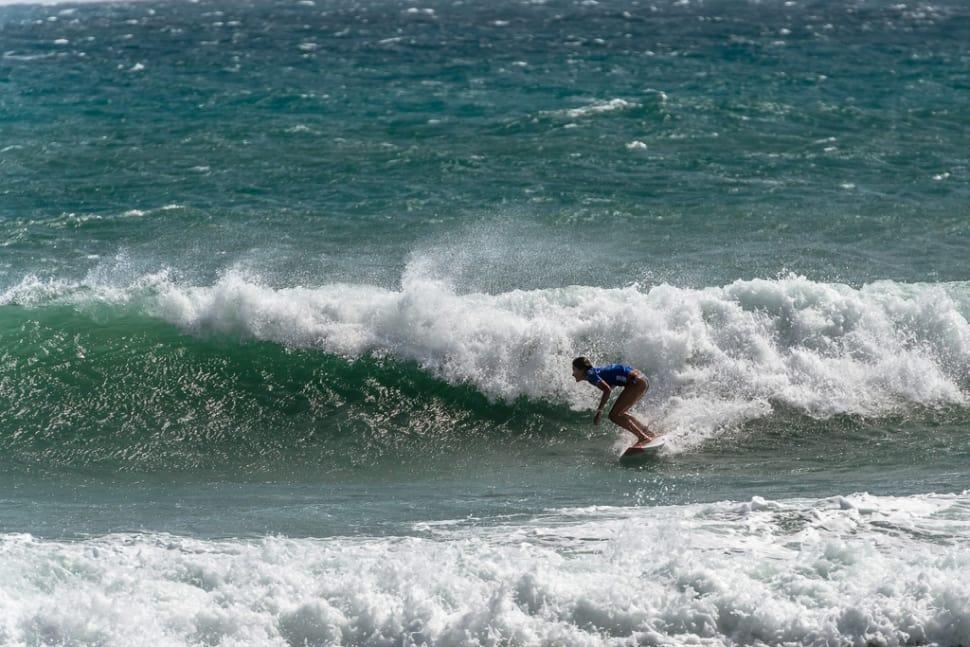 lướt sóng ở bờ biển phía nam khi du lịch tự túc đài loan