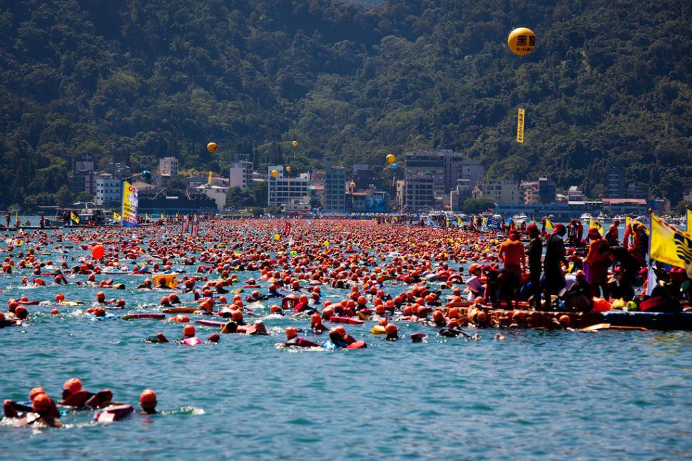 đừng bỏ lỡ lễ hội bơi quốc tế tại hồ nhật nguyệt khi đi du lịch tự túc đài loan