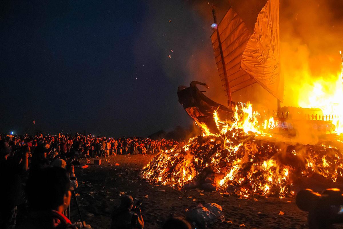du lịch tự túc đài loan vào dịp lễ hội đốt thuyền wang yeh
