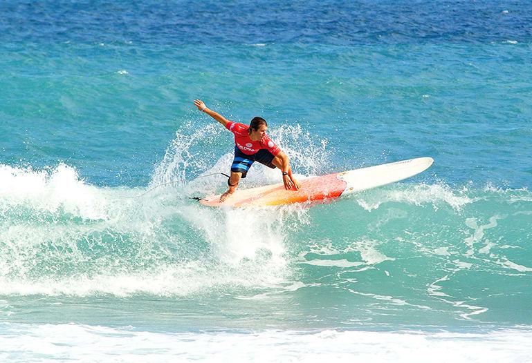 hoạt động lướt sóng khi du lịch tự túc đài loan