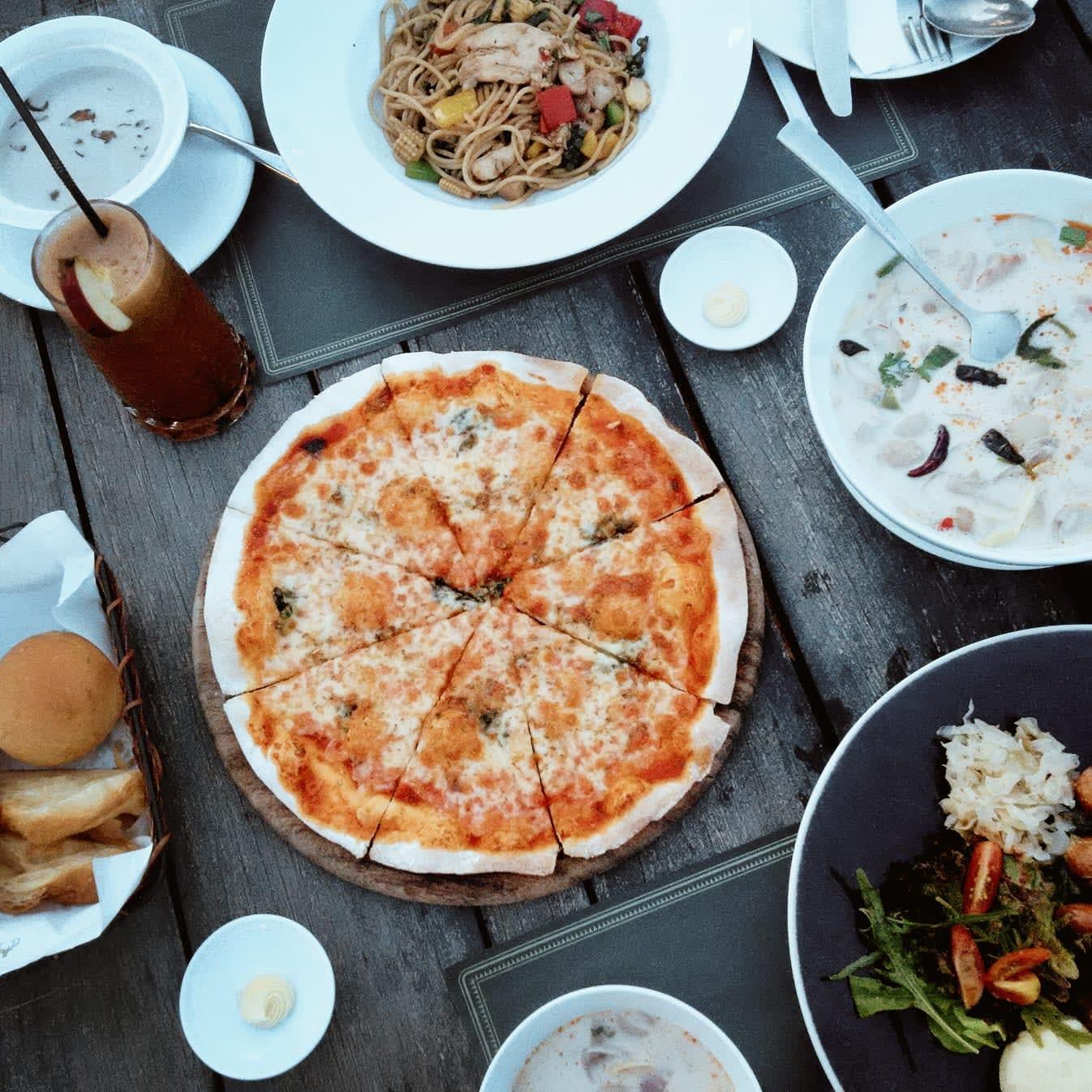 du lịch khao yai - ăn pizza tại midwinter green