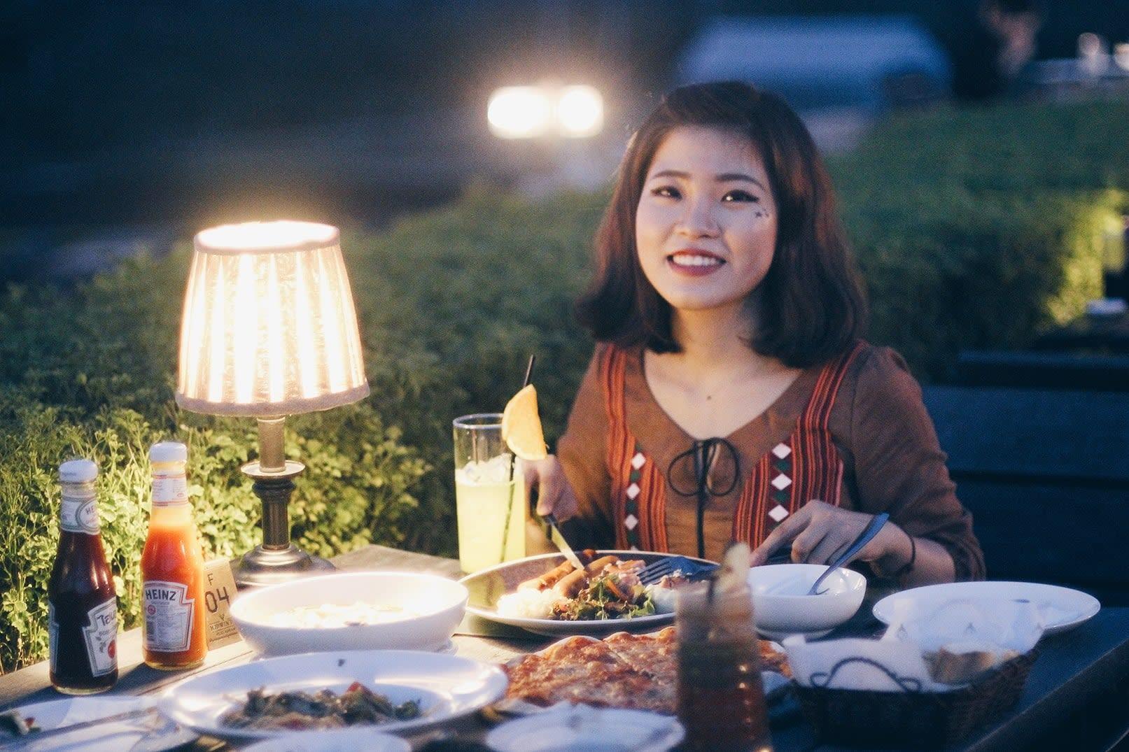 du lịch khao yai - ăn tối kiểu âu ở midwinter green