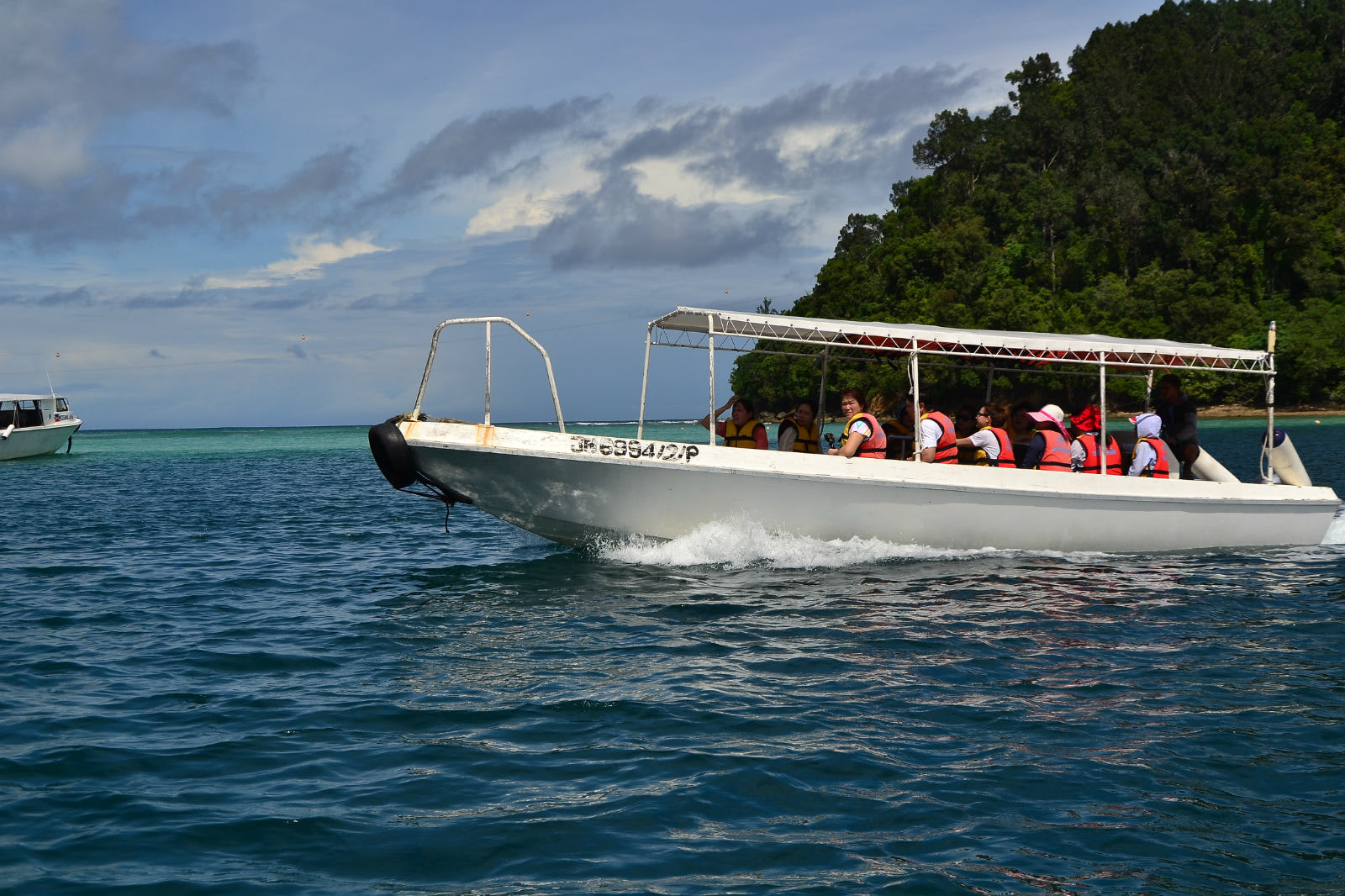 du lịch kota kinabalu - lên thuyền sang đảo khác