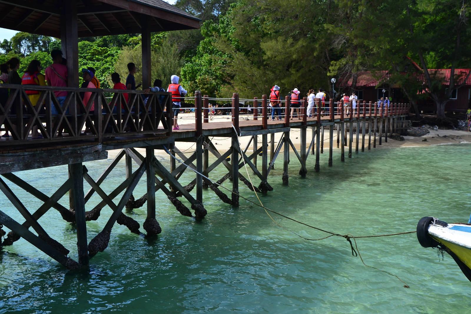 du lịch kota kinabalu - cầu cảng ở đảo sapi
