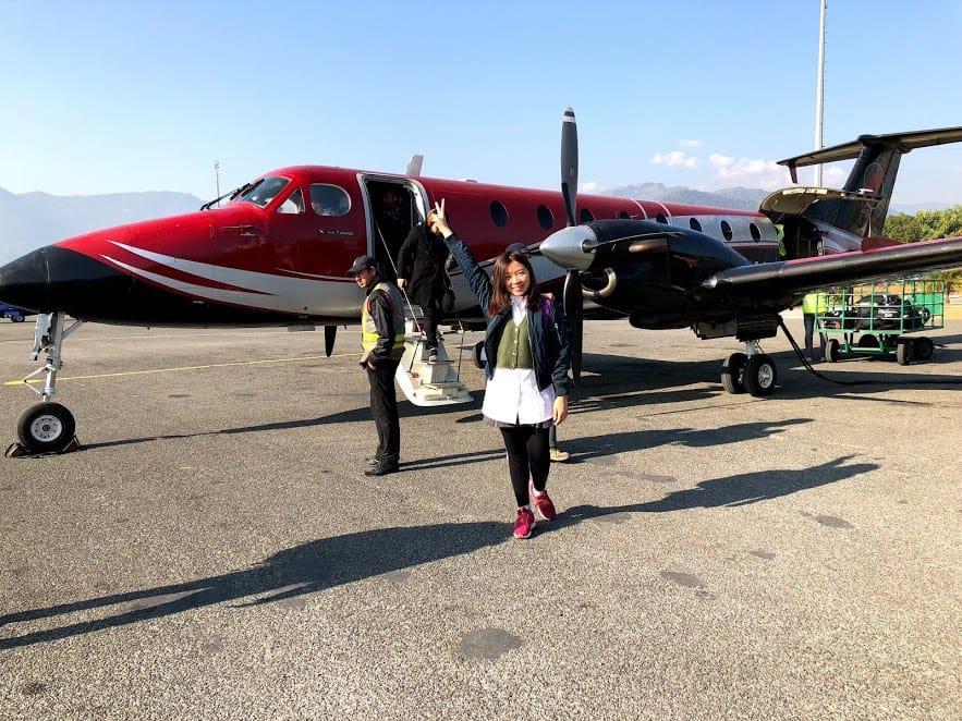 du lịch nepal: đi máy bay cánh quạt 16 chỗ