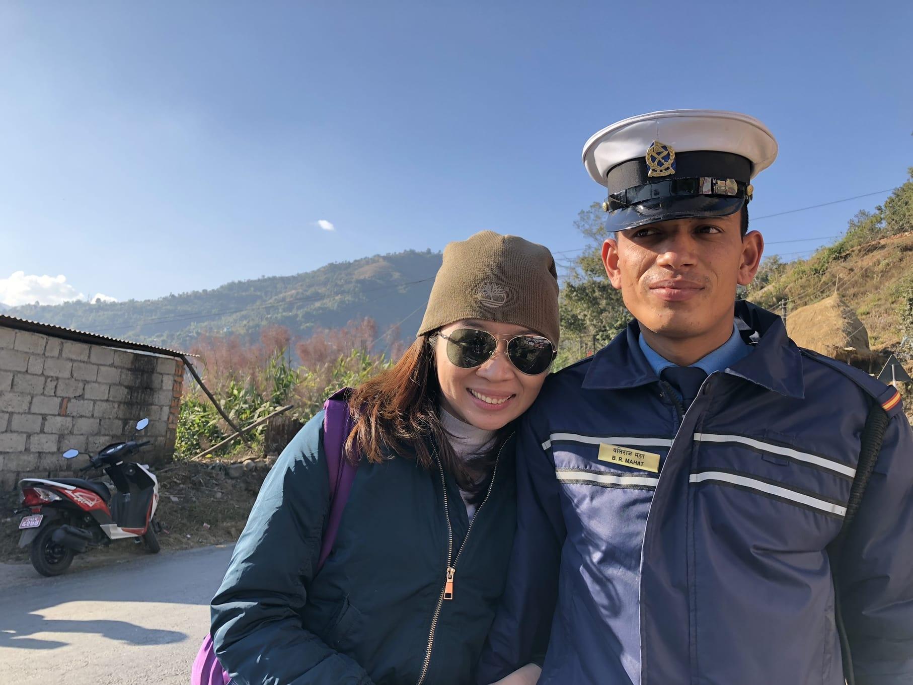 du lịch nepal: dân địa phương thân thiện