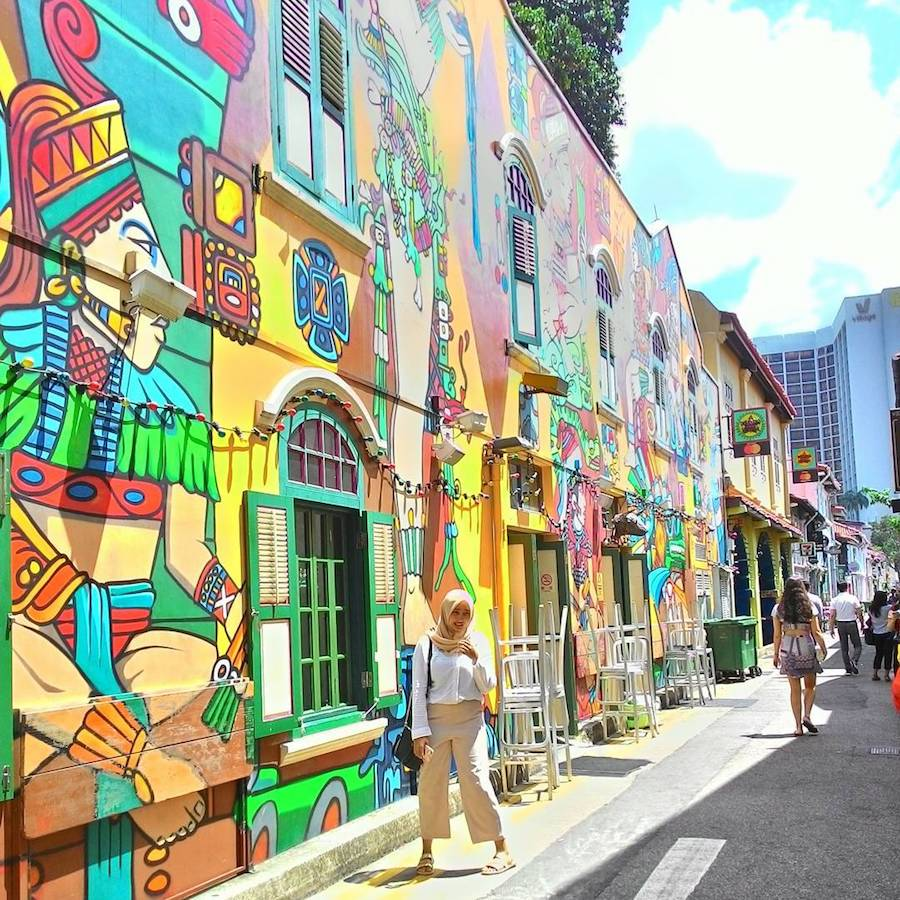 chụp hình tại phố graffiti trong chuyến du lịch singapore 3 ngày 2 đêm