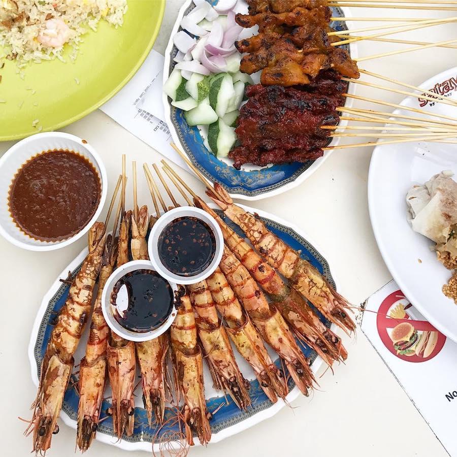 ăn đồ nướng satay by the bay trong chuyến du lịch singapore 3 ngày 2 đêm