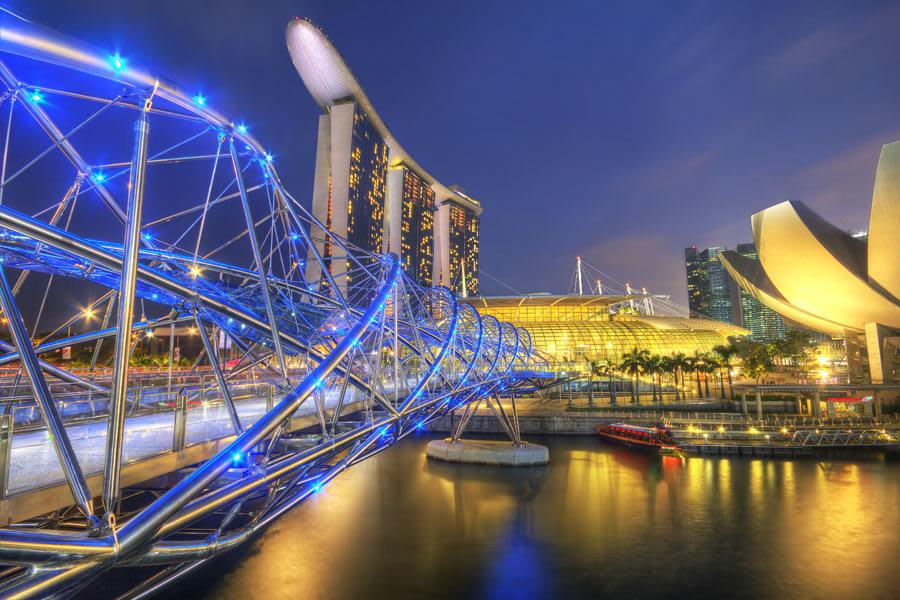 ngắm cảnh tại marine bay sands trong chuyến du lịch singapore 3 ngày 2 đêm
