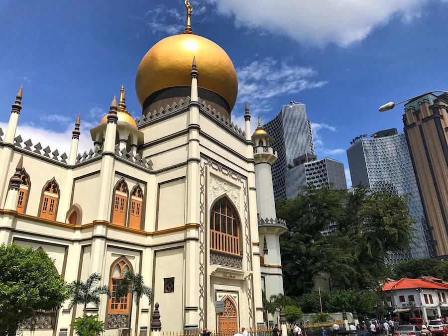 thăm nhà thờ hồi giáo sultan trong chuyến du lịch singapore 3 ngày 2 đêm