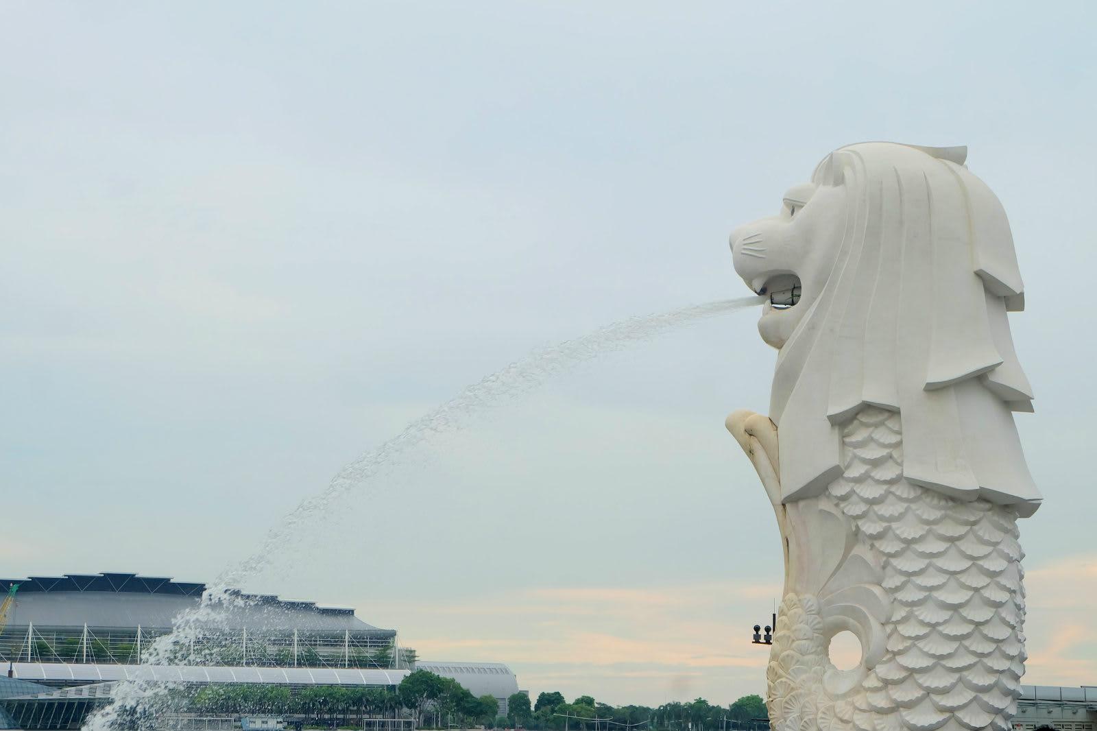 một mình ở singapore - tượng merlion