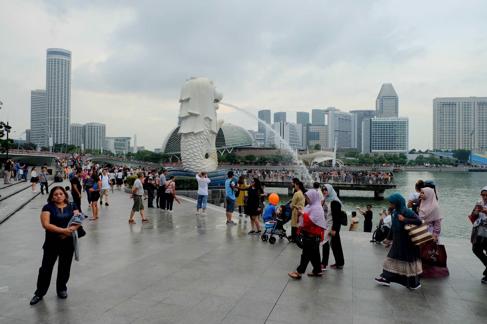 một mình ở singapore - công viên merlion