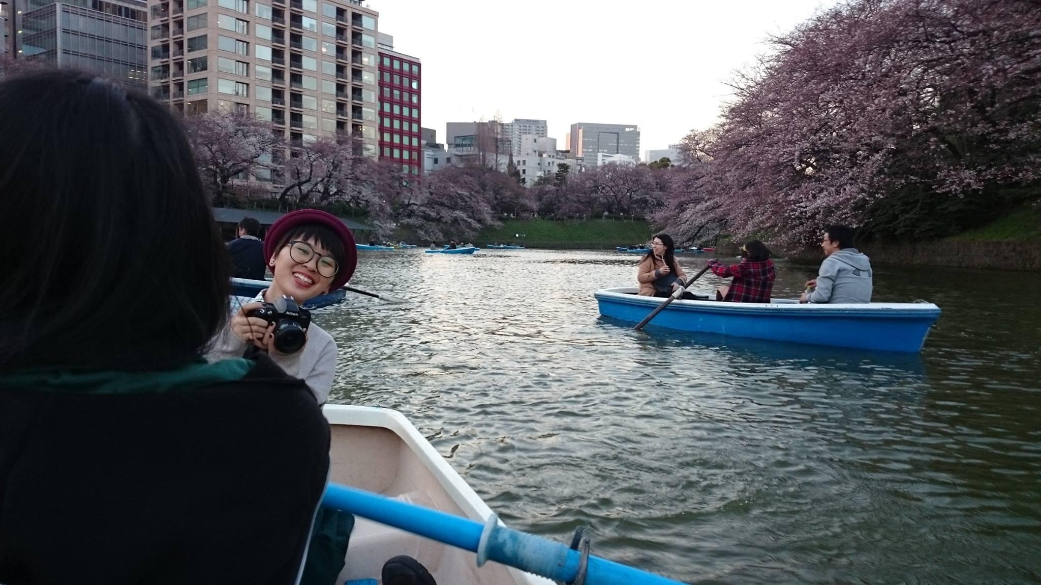 ngắm hoa anh đào tại công viên chidorigafuchi