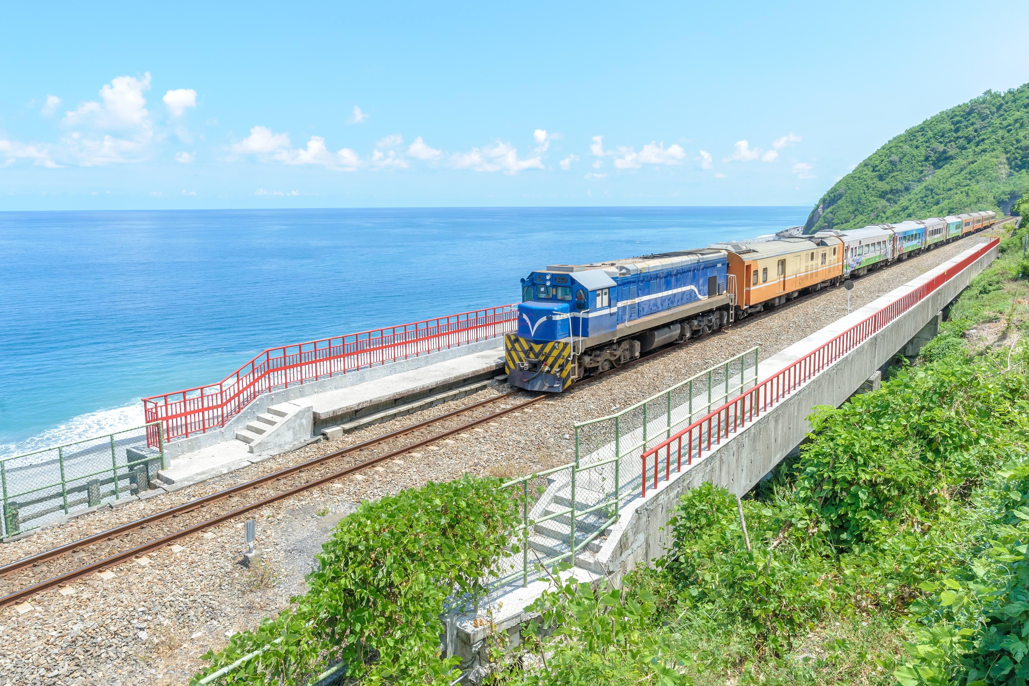 hoạt động săn hoa anh đào ở đài loan: thẻ thông hành joint train