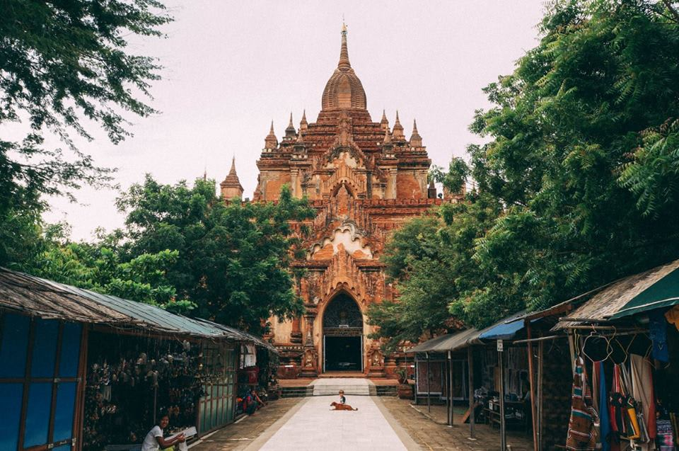 du lịch bagan - chùa htilominlo nhìn từ phía trước