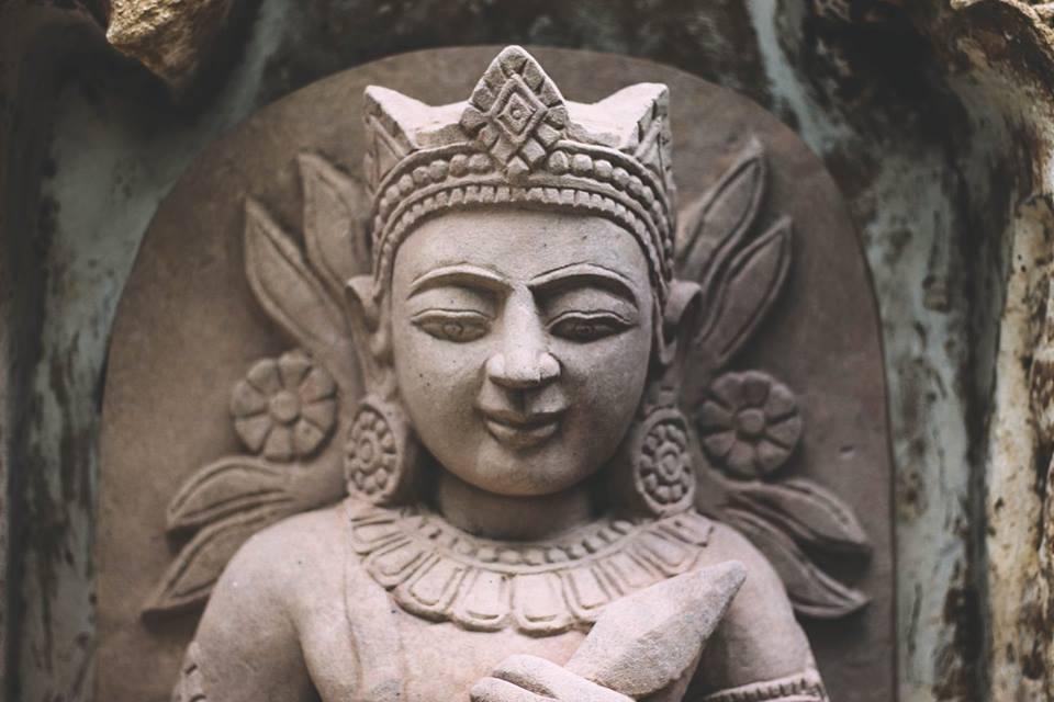 du lịch bagan - tượng ở đền htilominlo