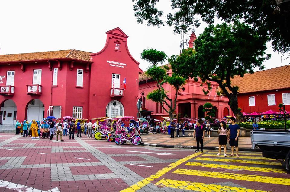 du lịch malacca - quảng trường hà lan nhộn nhịp