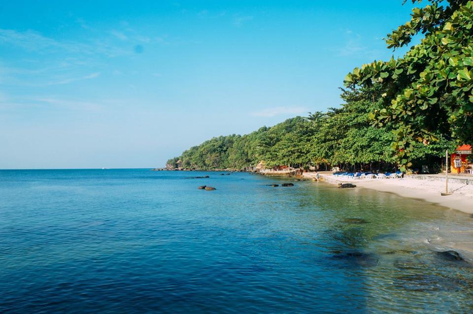 ghé bãi biển shihanouk ville vào buổi sáng là kinh nghiệm đi koh rong samloem