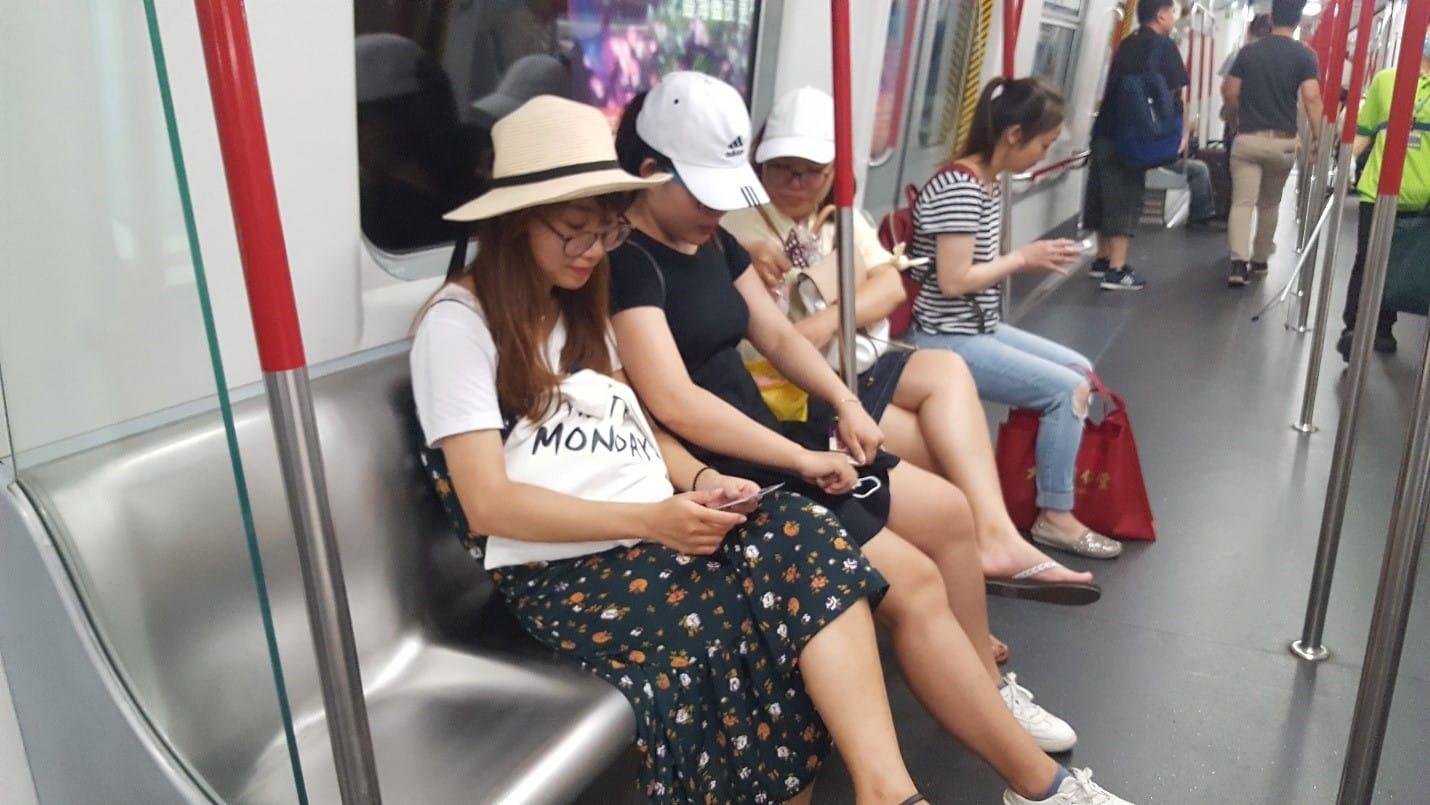 lịch trình du lịch hong kong: tàu điện ngầm