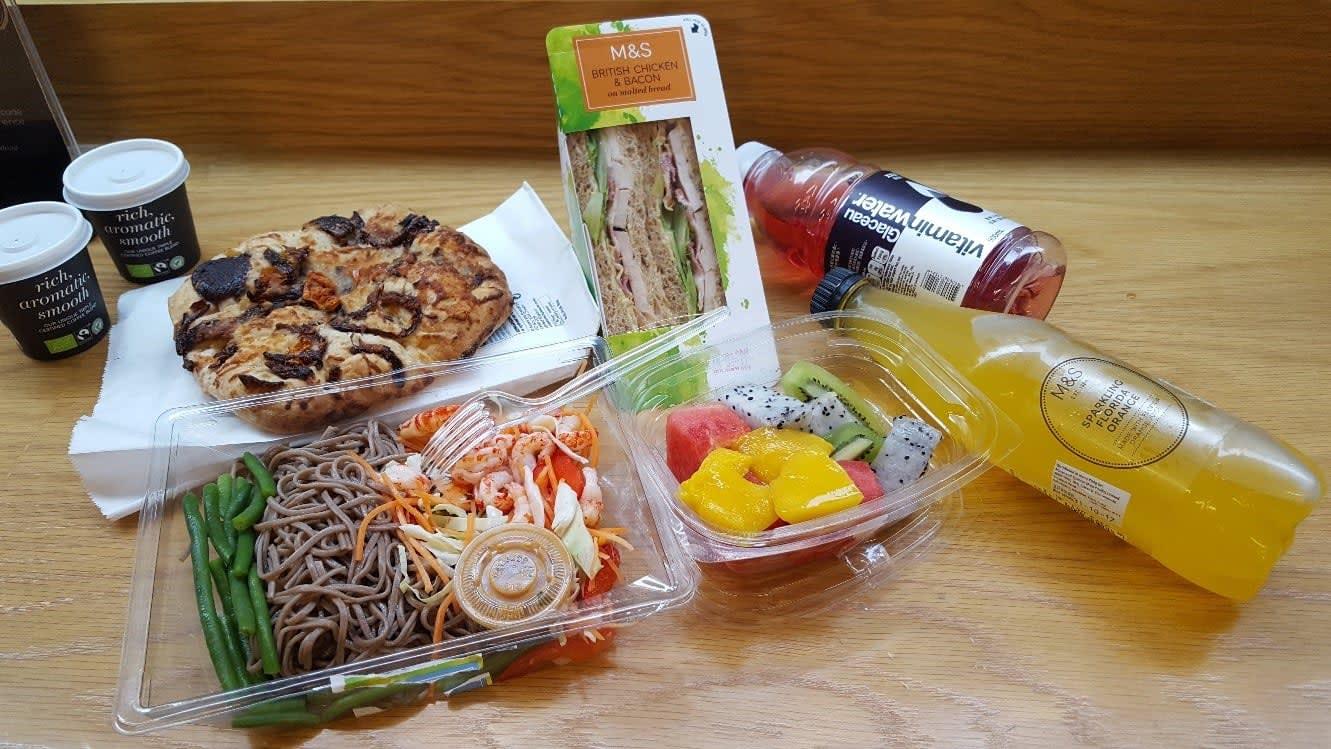 lịch trình du lịch hong kong: đồ ăn tại M&S
