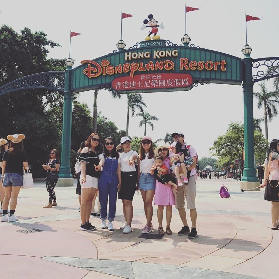 lịch trình du lịch hong kong: trước cổng disneyland