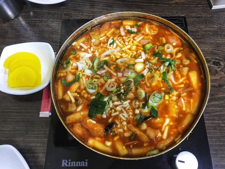 canh bộ đội là một món đặc sắc trong ẩm thực seoul