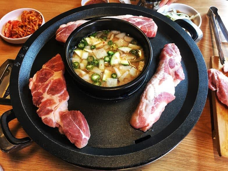 thịt nướng làm một món đặc sắc của ẩm thực seoul