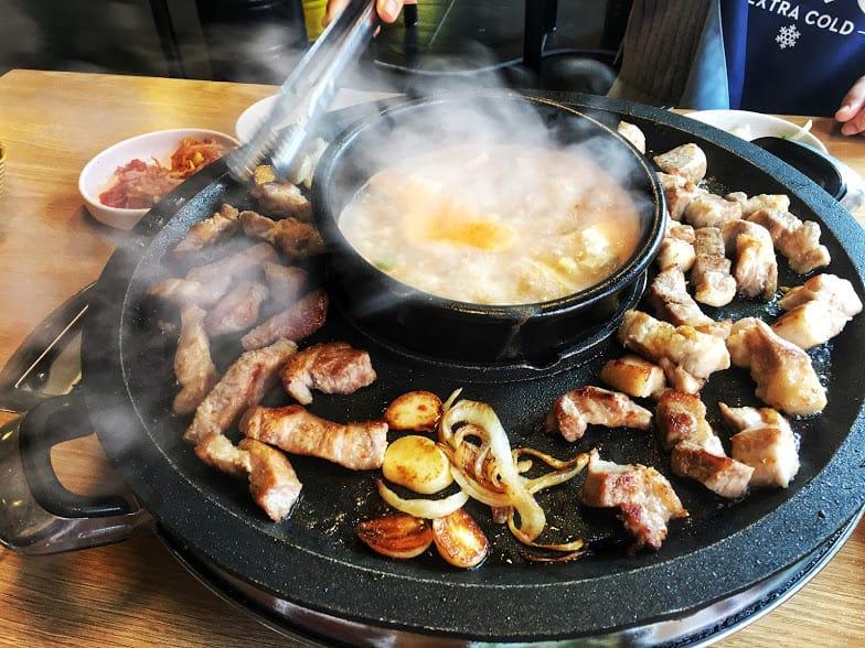 thịt nướng là một món ngon trong ẩm thực seoul